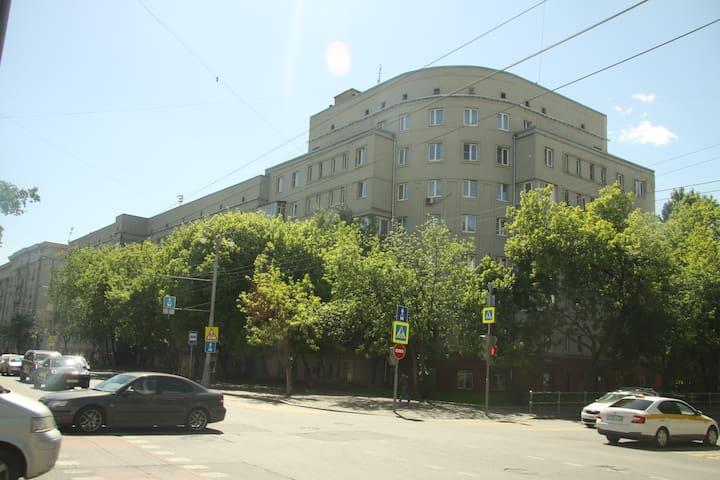 Дом в тихом районе центра, рядом с п. Горького