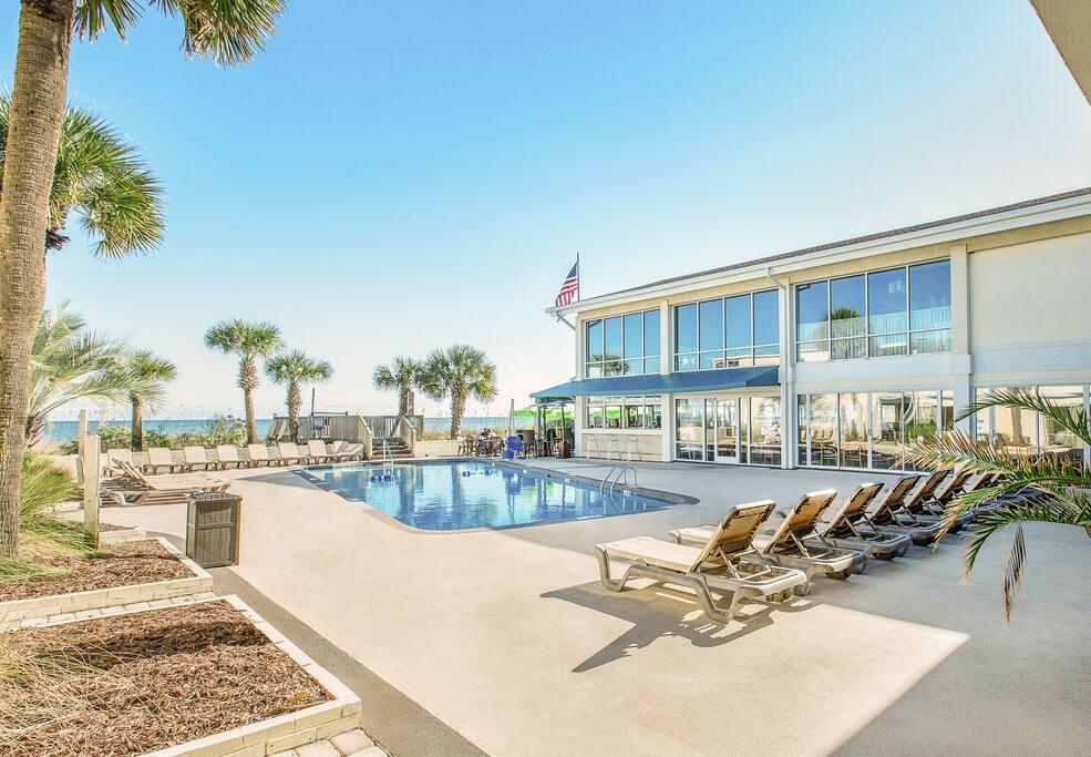 Cabana Restaurant and Pool