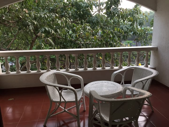 5 BHK home in Kawdiar with onsite caretaker