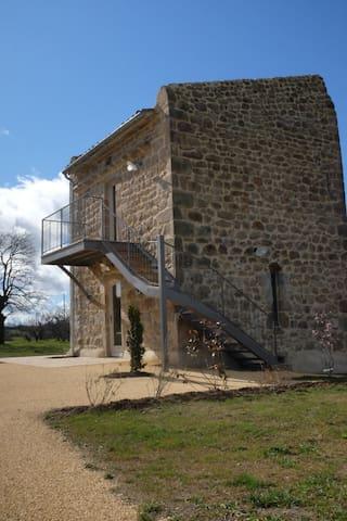 Ancien pigeonnier restauré - Ardoix - Casa