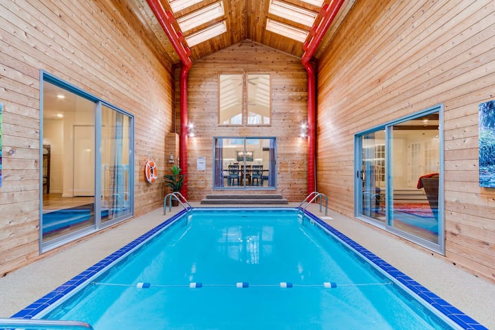 Amazing Poconos House W Heated Indoor Pool Houses For Rent In Long Pond Pennsylvania United States