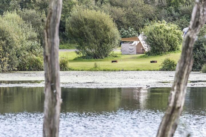 Lake Side - Carn Springs - Devonshire Drive - Tenby