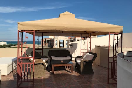 Penthouse Sea View & Jacuzzi on Terrase