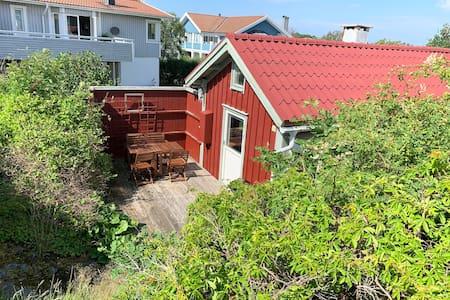Sommarstuga på Björkö, nära till havet!