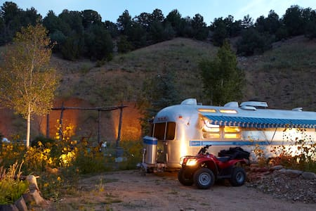 Private Airstream Mountain Getaway - El Prado
