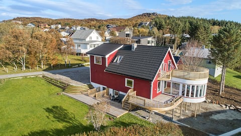 This 300 Sqm palace highlight the smile of Lofoten