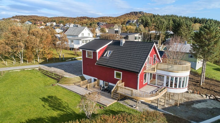 This 300 Sqm palace highlights the most of Lofoten