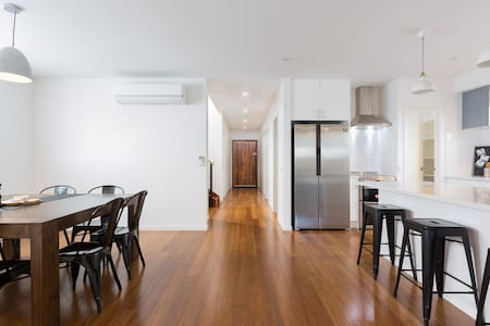 Modern spacious home-Smiths Beach-Phillip Island - Smiths Beach