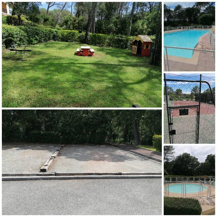 Studio dans rés. sécurisée avec tennis,piscine