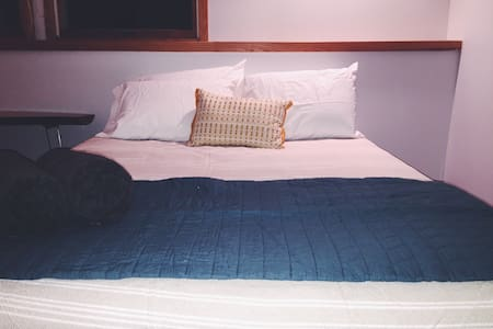 Sauna, Bikes and 2 Comfy Beds - Close to downtown - Traverse City - Casa