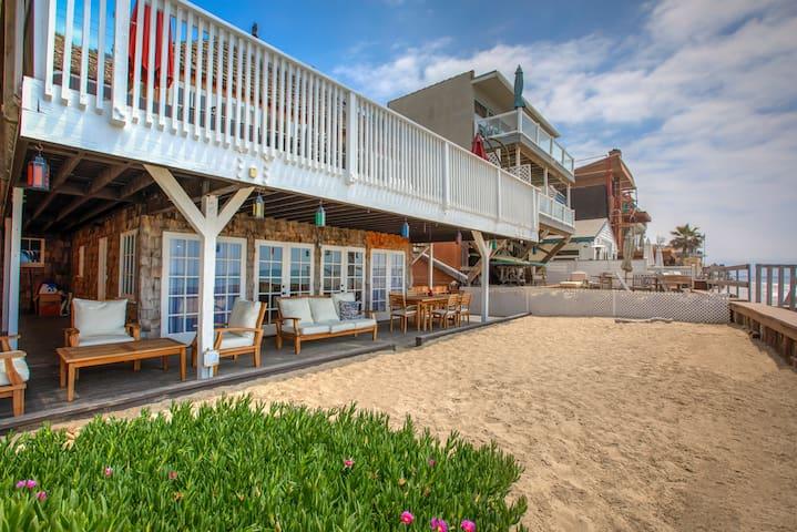 Malibu Beachfront Getaway/ Private Sandy Beach!