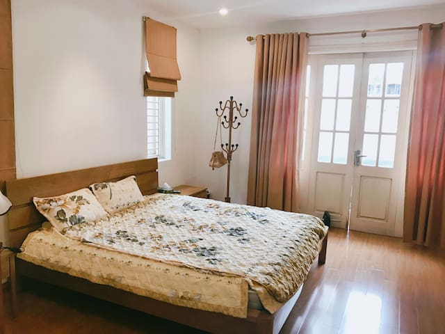 Bright, cozy and fancy room in Hanoi's center - Talo