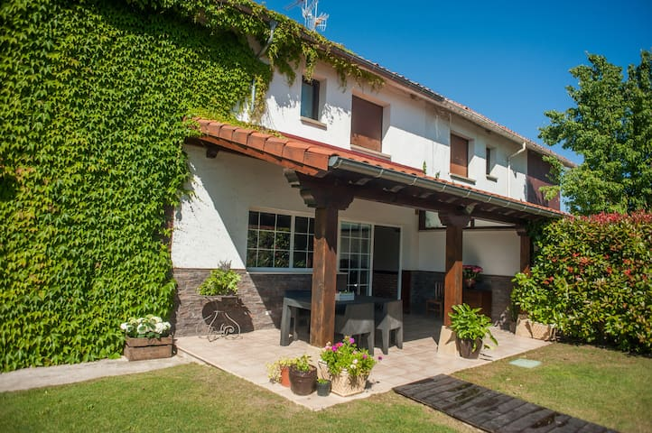 LOLAIN HOUSE - Ecay de Lónguida - Townhouse