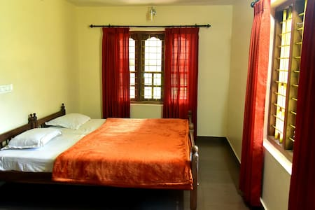 Wooden Castle- Best Home Stay in Wayanad, Kerala - Kalpetta - Hus