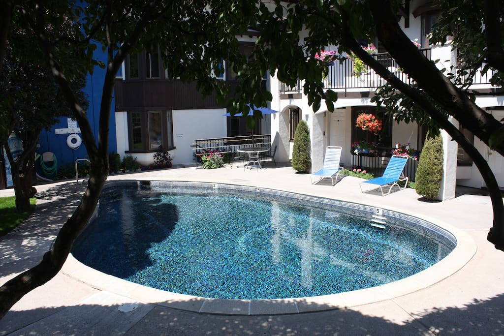 Pool/Whirlpool