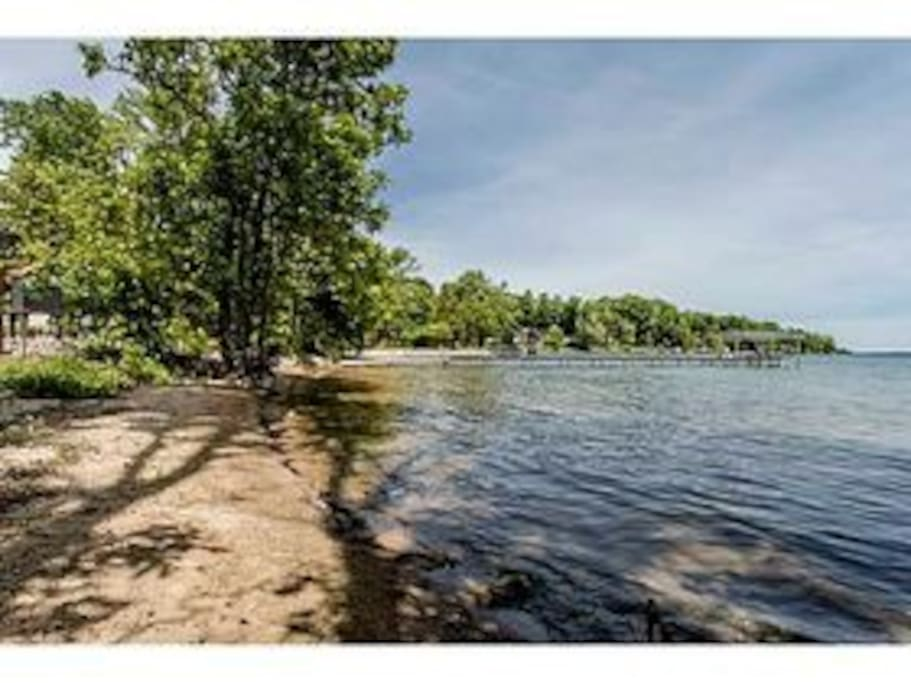 2 minute walk to deeded sandy beach