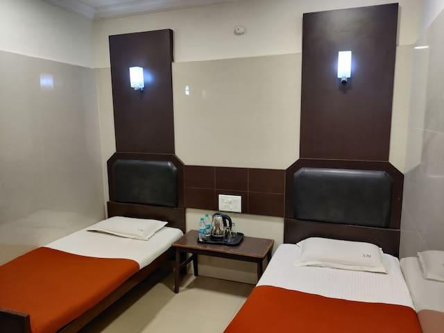 Sarada nivas Room no 12 Ac Room