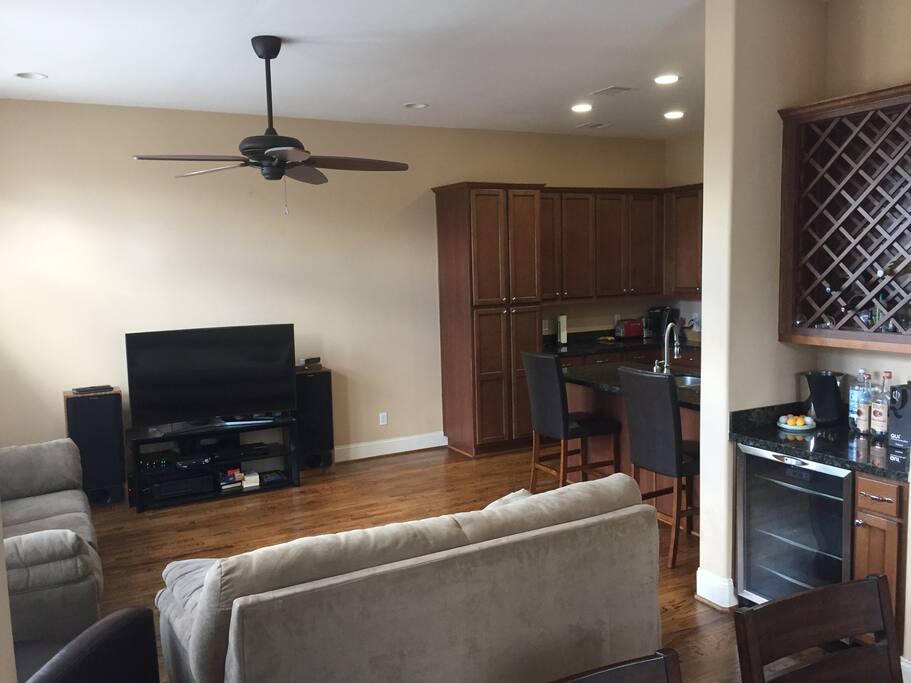 Main living area/kitchen