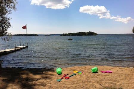 Cottage on the Lake, Orillia - Orillia
