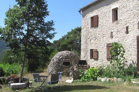 Maison du Berger aux portes des Gorges du Verdon
