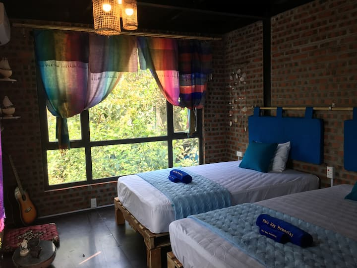 Cosy twin room in the heart of Ha Long city