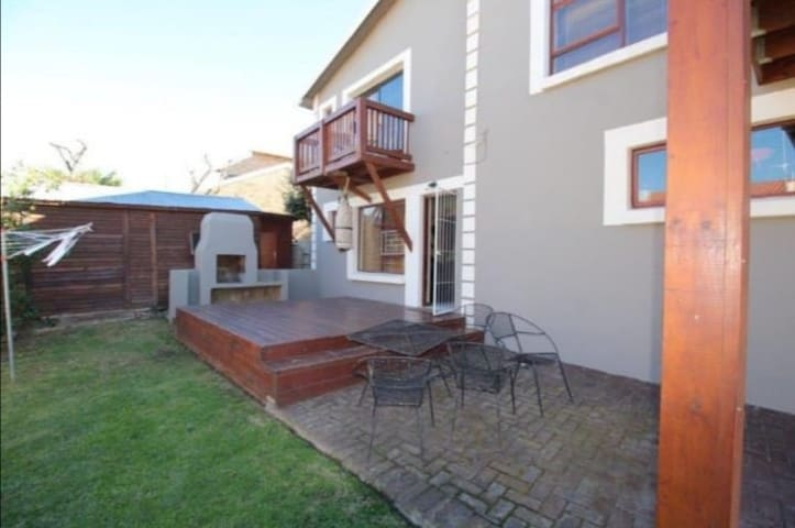 Cosy flatlet in Jbay ... home from home.