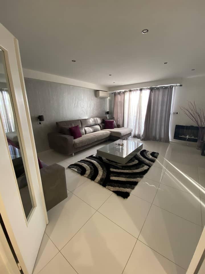 Appartement spacieux a 200 mètres des plages