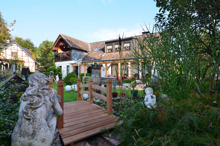 Apartment in the Harz with a covered balcony and lovely garden