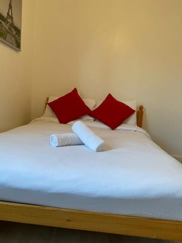 Double Ensuite Room, City Stay.