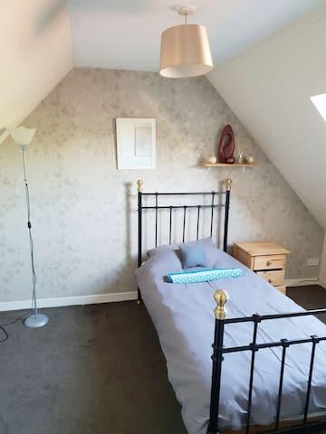 Upper single room