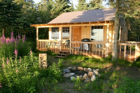 Clam Gulch Lodge - Eagles Nest Cabin