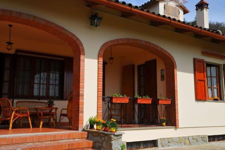 La campagna Toscana - Arezzo - Hus