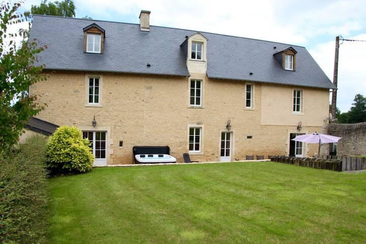 Presbytère du Château d'Argouges, Jacuzzi, Bayeux