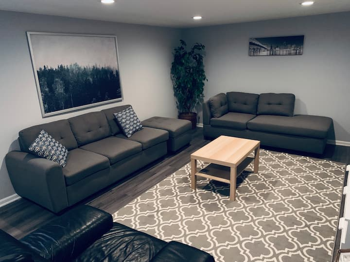 Clean and Cozy Basement Nook by O' Hare Airport