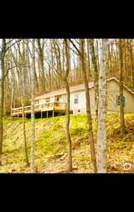 Mountain Home 5 mins from WCU-2 paddleboards