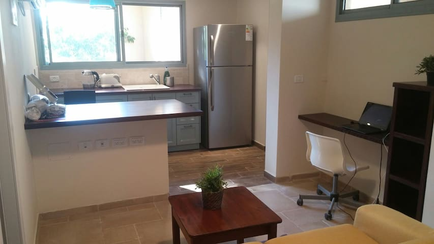 Brand new studio close to Caesarea! - חדרה