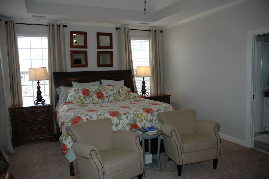 master bedroom - king bed - with sitting area
