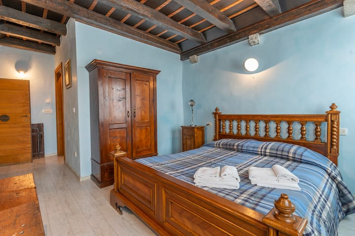 Matilde's Medieval House - Lombard Room