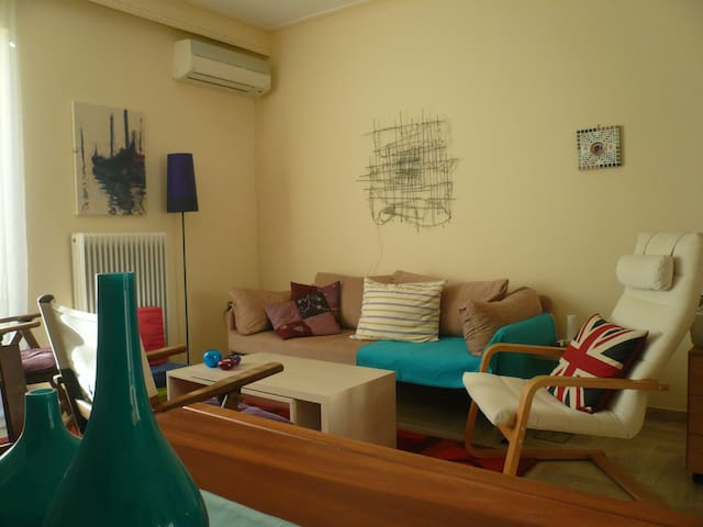 Pleasant & colourful flat near Old Town