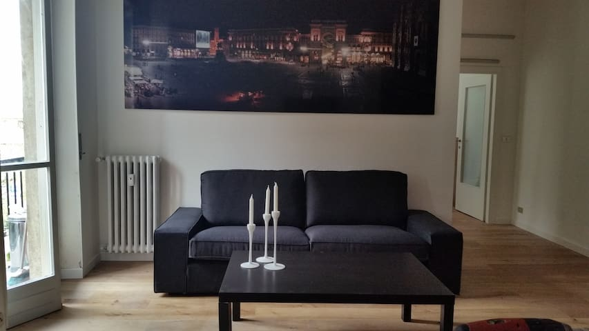 """Elegant sunny apartment on the 2nd floor of a small condominium (with new lift) in quiet residential area, 30 mins from the city centre, with the M5 metro station """"San Siro Ippodromo"""" 50 metres from the building. Many shops and services very nearby."""