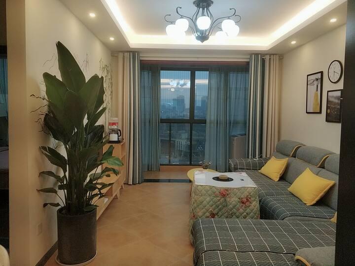 北尚华城白云高速出口商圈泉湖公园两居公寓