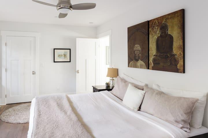 Master bedroom, 1st floor