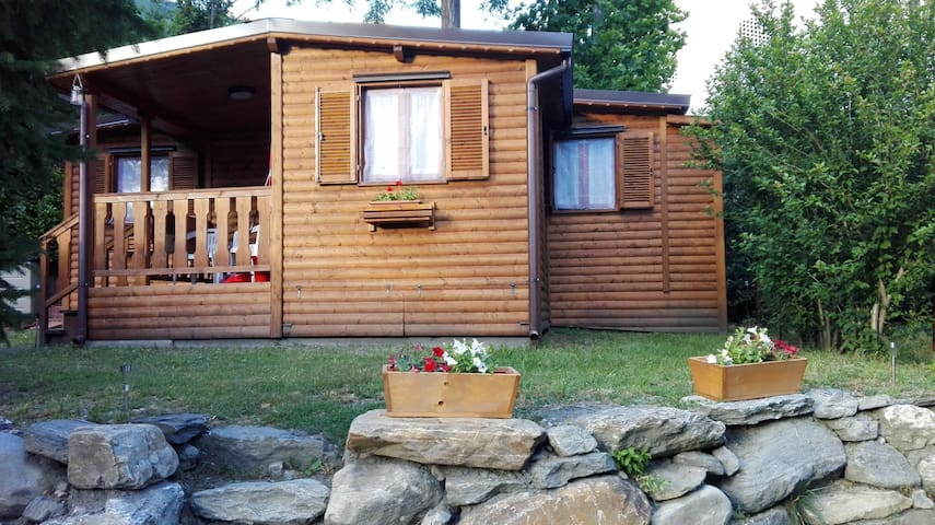 Charming Cottage facing Mont Blanc