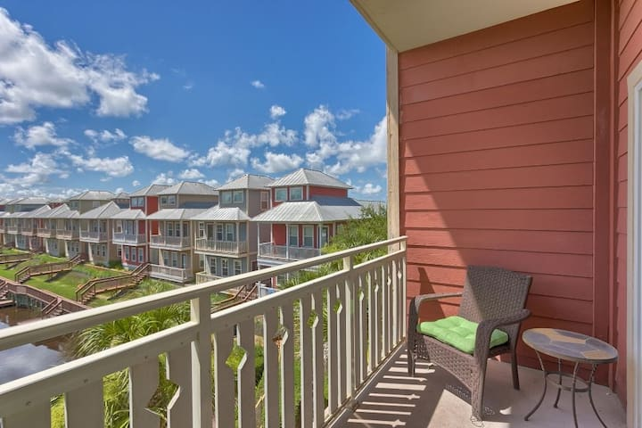 Gulf View, Gated Community with Pool, WiFi ~ Waterside Village Condo 302