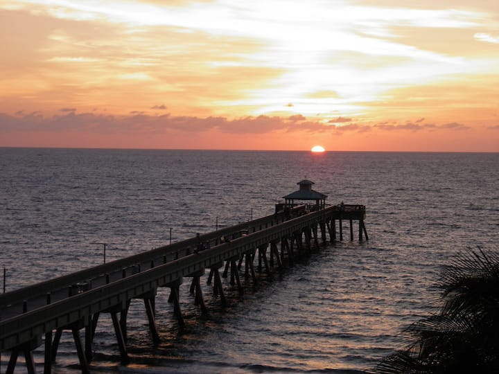 Beachside  east of A1A -  Monthly Specials- Call
