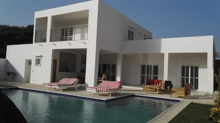 Superbe Villa Moderne au cœur de Saly