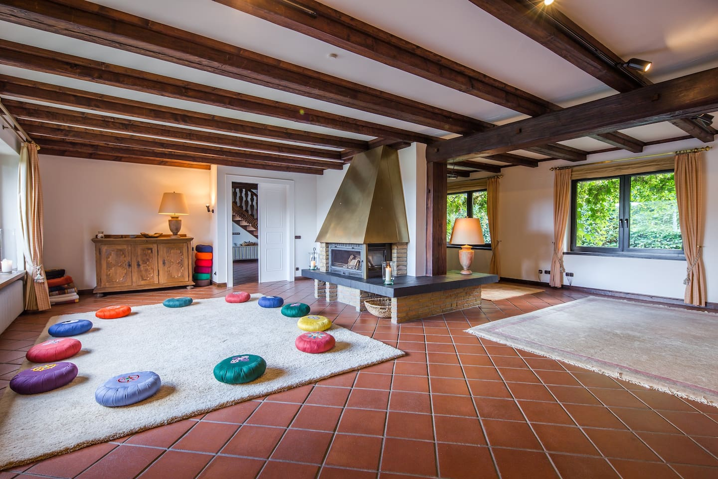 Der Meditationsraum ist das Herz des Hauses. // The meditation room is the heart of the house.