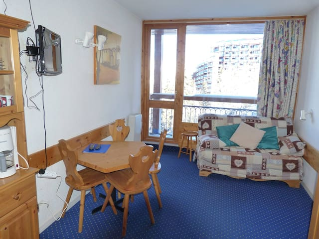 Studio for 3 guests in Arc 1800 at the heart of the resort, close to the slopes and shops, in the Villards village