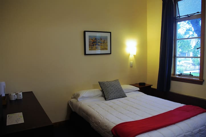 Room 2, Double bed