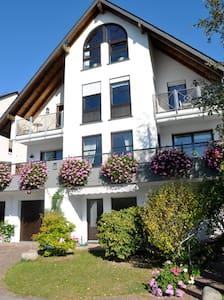 Rhein und Weingenuss mit Blick auf Weltkulturerbe - Lorch